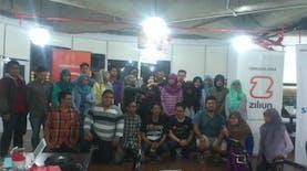 Semangat Pemuda Surabaya Berkomunitas