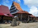 Gambar sampul Berkunjung Ke Bawomataluo, Desa Adat Kaya Budaya di Nias