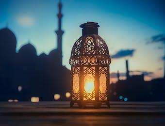 Ramadan, Melatih Empati untuk Meraih Lailatul Qadar