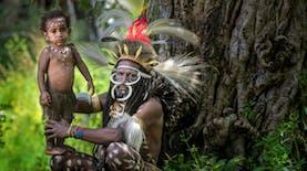 Tren Sepekan: Antar Jenazah Seberangi Sungai di Bali hingga Suku Unik Wamena