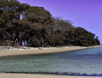 Langkadea, Pulau Kosong Pas untuk Menyepi