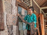 Gambar sampul Hari Batik Nasional: Kiat Membedakan Batik Tulis, Cap, dan Print