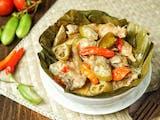 Gambar sampul Garang Asem, Hidangan Ayam Asam Pedas dari Grobogan