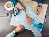 Gambar sampul Revenge Travel, Fenomena Liburan Balas Dendam untuk Memuaskan Hasrat Berwisata