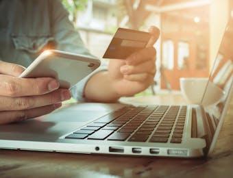 Ketika e-Commerce Saling Serobot Berebut Tahta