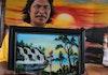 Seniman Belitung Ini Mampu Melukis Dengan Cara Yang Tidak Biasa