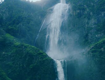 Kenalkan Air Terjun Sigura Gura, Tertinggi di Nusantara