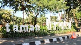 Mengulas Sisi Lain Taman Bungkul Surabaya