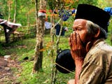 Gambar sampul Lelaki Ini Abdikan Seumur Hidupnya Demi Salah Satu Gunung Tertinggi di Sulawesi Selatan!