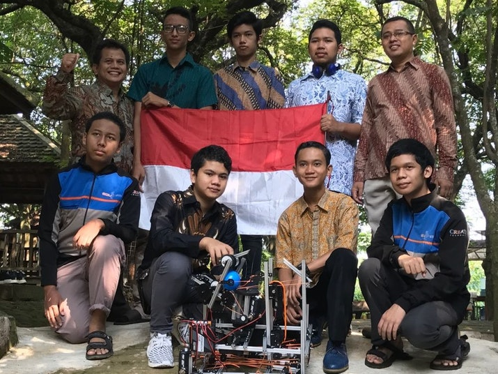 Hebat! Madrasah Asal Depok Wakili Indonesia Di Kontes Robot Terbesar Dunia