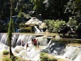 Gambar sampul Air Terjun Morano, Nirwana dari Tanjung Peropa