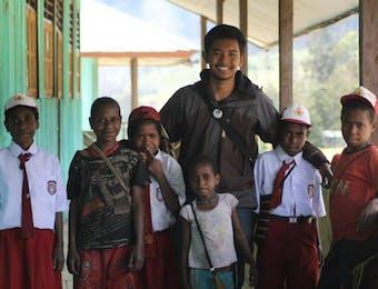 Saya Tidak Lahir dan Besar di Papua, Namun Saya Jatuh Cinta Kepadanya