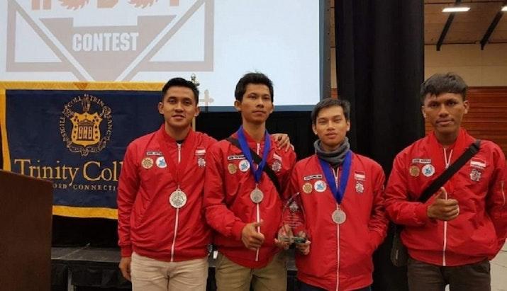 Mahasiswa UGM Raih Emas Dalam Kompetisi Robot di Amerika Serikat