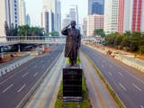 Gambar sampul Enam Kota Tempat Berdirinya Patung Jenderal Sudirman