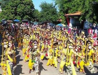 Tari Topeng Samba Cirebon Sukses Pecahkan Rekor ORI
