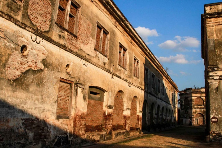 Meniti Wisata Sejarah Benteng Pendem Peninggalan Belanda