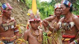 Suku-Suku Asli Indonesia ini Mampu Bertahan Tanpa Mengikuti Modernitas!
