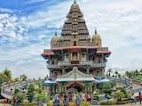 Gambar sampul Jelajah Tempat Ibadah dengan Arsitektur Unik di Indonesia