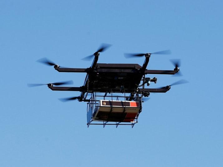 Indonesia Sukses Uji Coba Pengiriman Barang Menggunakan Drone