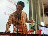 Gambar sampul Band Ini Populerkan Musik Tradisional Indonesia Dengan Cara Nyeleneh