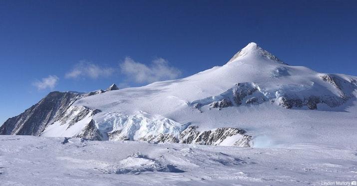 Untuk Pertama Kalinya, Angklung di Titik Tertinggi Kutub Selatan