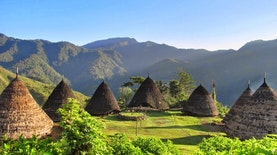 Desa Warisan Budaya UNESCO Ini Ada di Atas Awan
