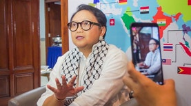 Bagaimana Cara Menjadi Diplomat Ulung Untuk Indonesia?