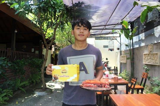 Gambar sampul Garry Yusuf, Pemuda 18 Tahun yang Raih Omzet Besar dari Bisnis Martabak
