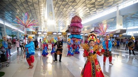 Ketika Ragam Budaya Indonesia Warnai Bandara Soetta