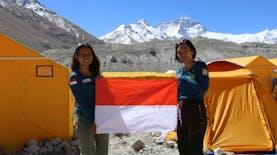 Misi Berhasil! Dua Perempuan Ini Menjadi Perempuan Indonesia Pertama Puncaki 7 Puncak Dunia