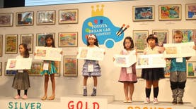 Berkat Hobi Menggambarnya, Anak 7 Tahun ini Juara Internasional